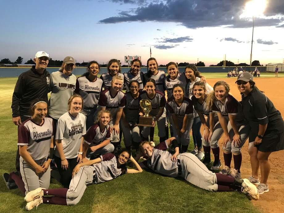 The Abernathy Lady Lopes move on in playoffs after beating out Alpine for the area title. Photo: Abernathy ISD/Courtesy Photo