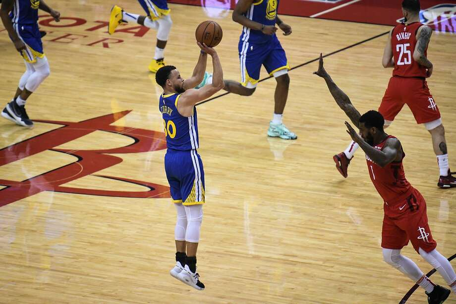 Stephen Curry shoots a 3-pointer. Photo: Loren Elliott / Special To The Chronicle