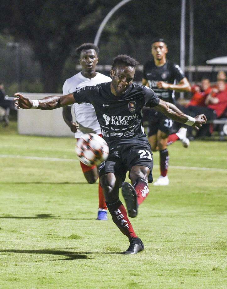 Francois Sakou and the Heat fell to San Antonio FC 2-0 Tuesday in the second round of the 2019 Lamar Hunt U.S. Open Cup. Photo: Danny Zaragoza /Laredo Morning Times File