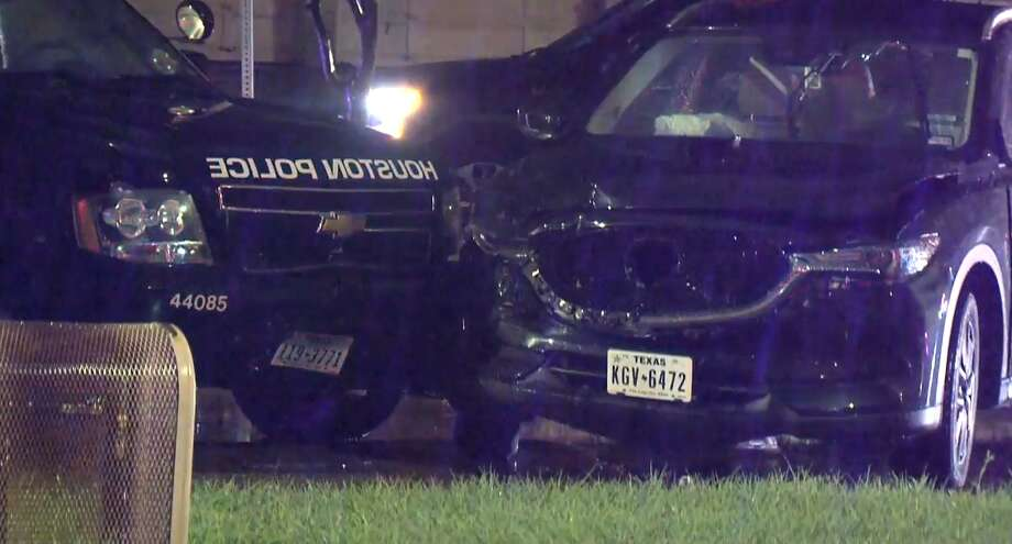 A Houston Police Department officer was involved in a crash in the Timbergrove community on Tuesday, May 7, 2019. Photo: Metro Video