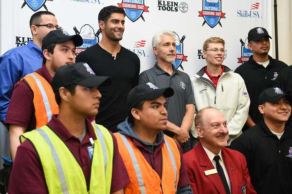 49ers' Jimmy Garoppolo and dad laud trade-bound students