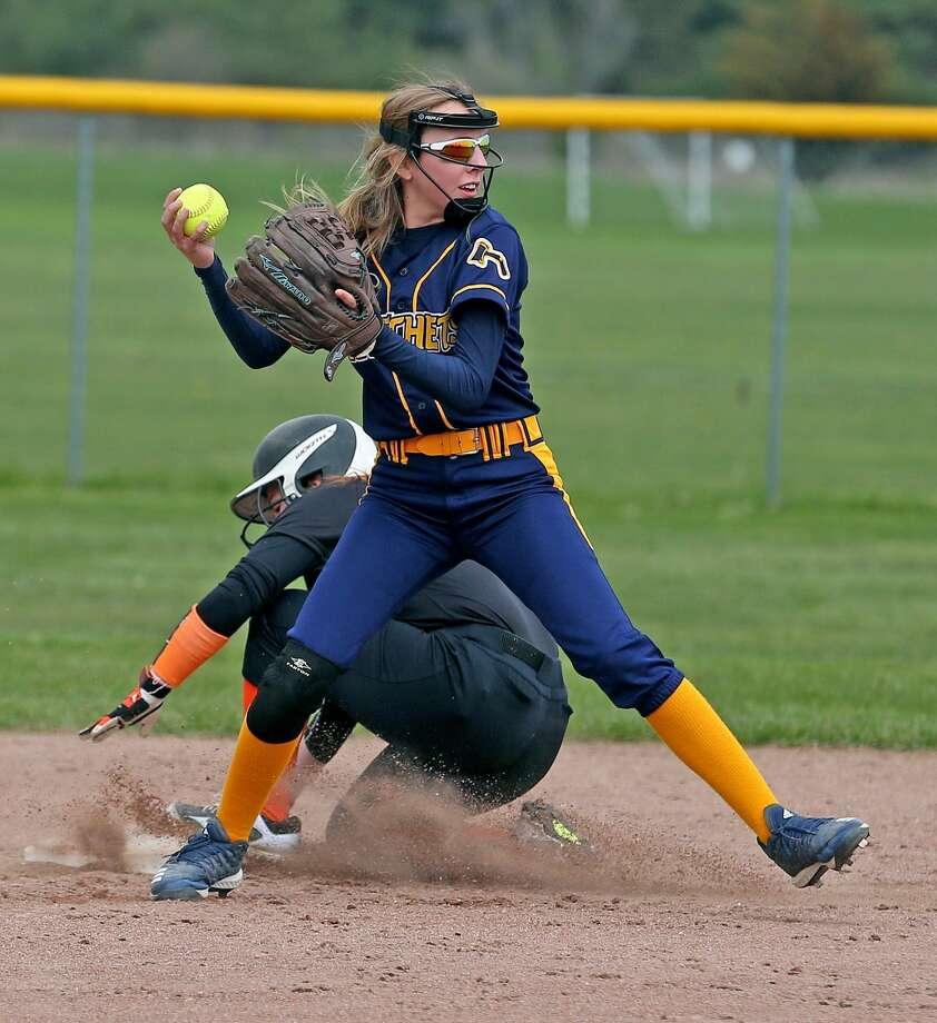 Vassar at Bad Axe — Softball Photo: Paul P. Adams/Huron Daily Tribune