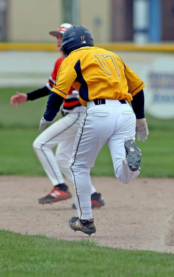 Vassar at Bad Axe — Baseball Photo: Paul P. Adams/Huron Daily Tribune