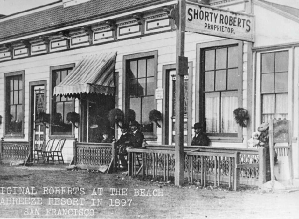 1897: The Seabreeze Resort that later became the very popular Roberts At The Beach.