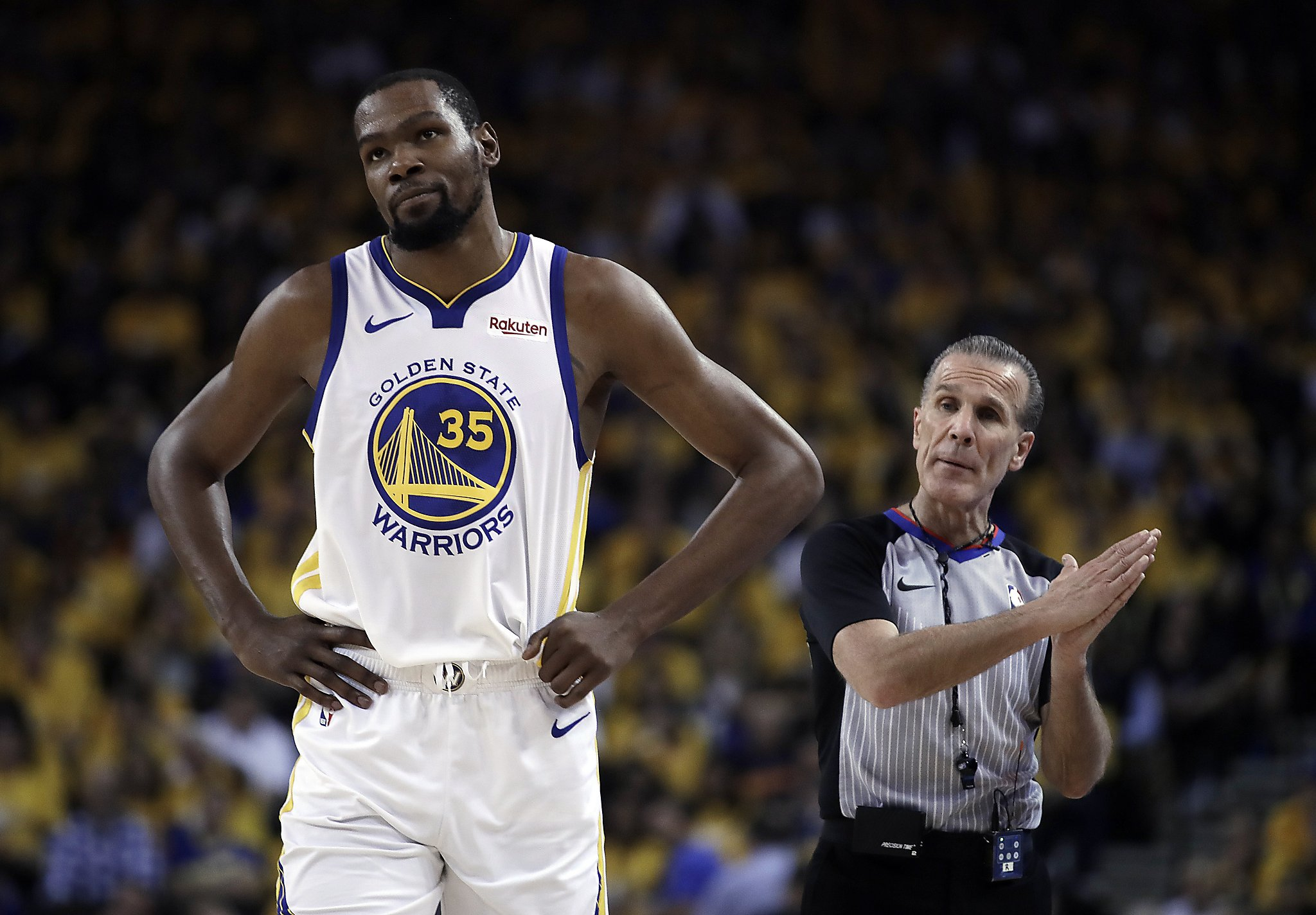 Warriors' star Kevin Durant striking back at critics on social media