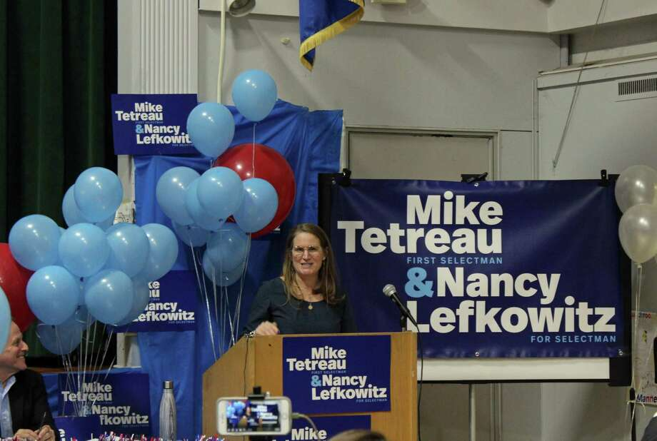 RTM Member Nancy Lefkowitz, running for selectman, speaks at her campaign kick-off May 8. Photo: Humberto J. Rocha / Hearst Connecticut Media / New Canaan News