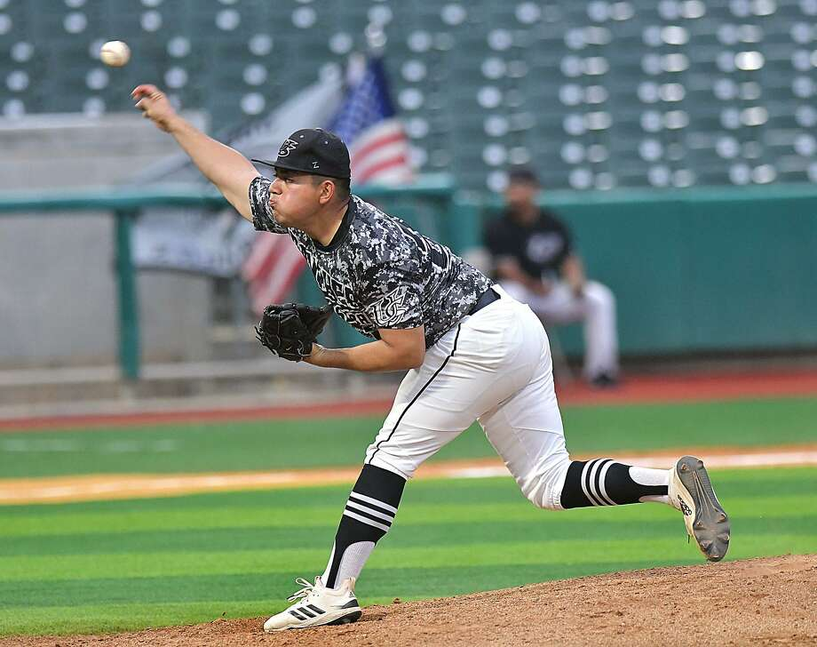 Hector Alva and United South are trying to win three playoff series for the first time in program history as they take on Los Fresnos. Photo: Cuate Santos /Laredo Morning Times File / Laredo Morning Times
