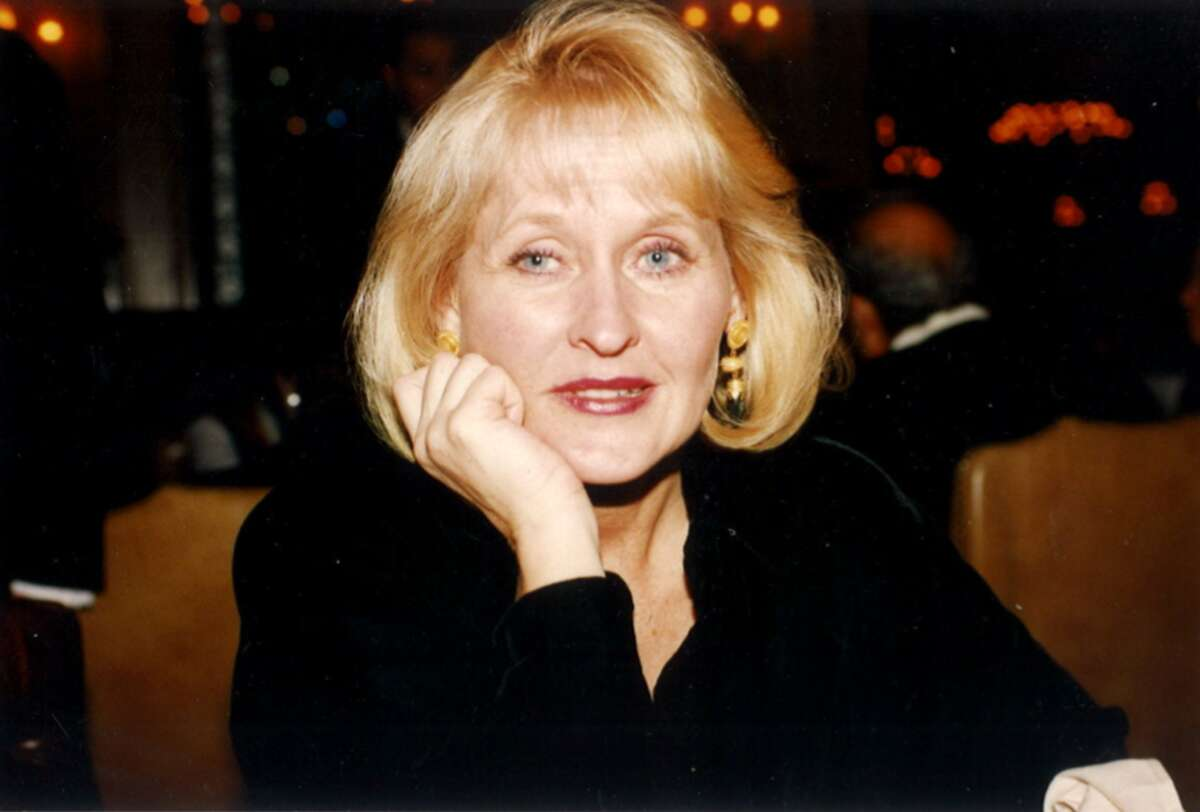 Alta J. Barer of Seattle died Wednesday at the age of 73 after a battle with lung cancer.
