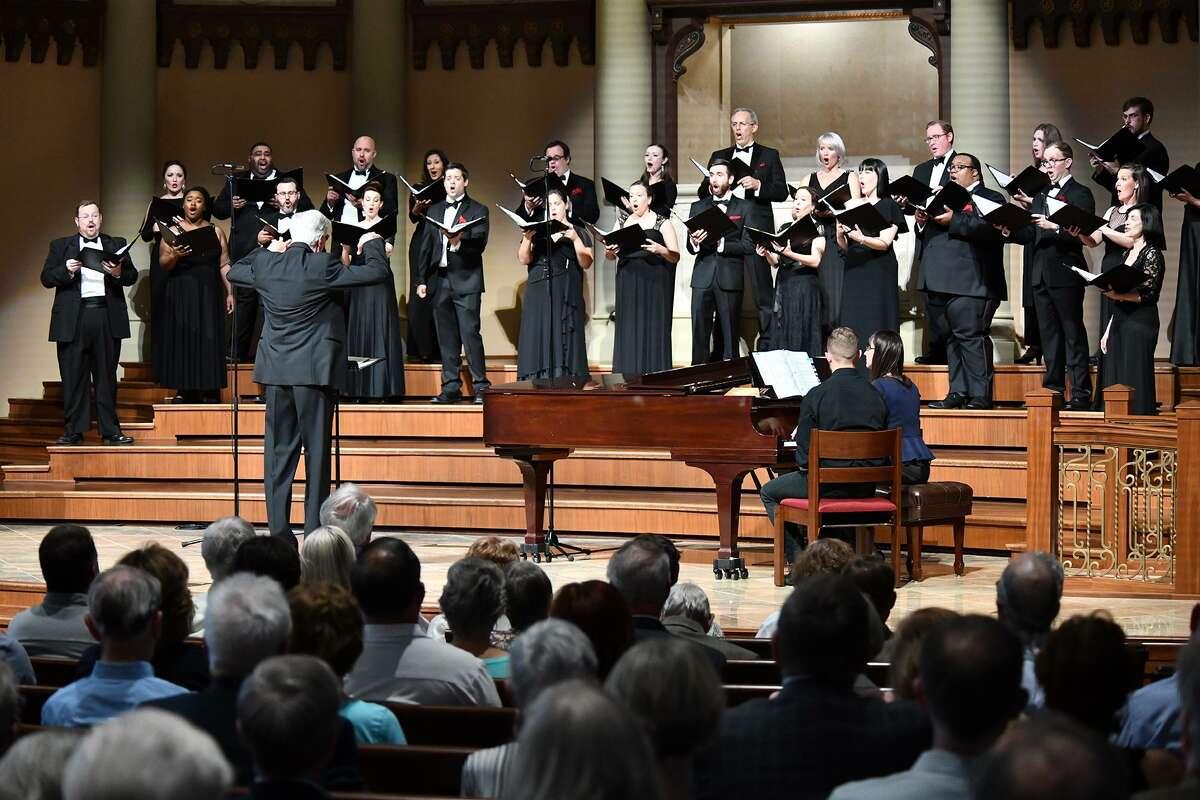 Houston Chamber Choir with Robert Simpson Conducting
