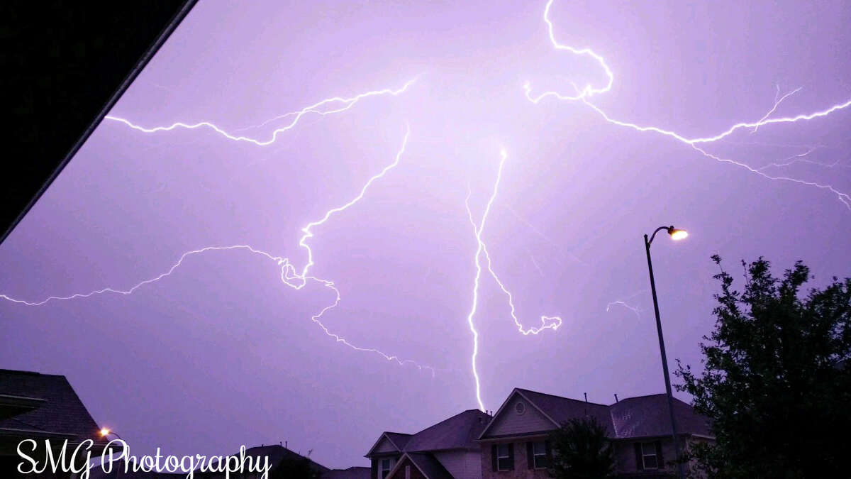 PHOTOS: Lightning tips Lightning often strikes the same place repeatedly.Fact: The Empire State Building in New York City, New York is hit an average of 23 times a year, NWS reported.>>>See more for tips to follow when lightning strikes near your home...