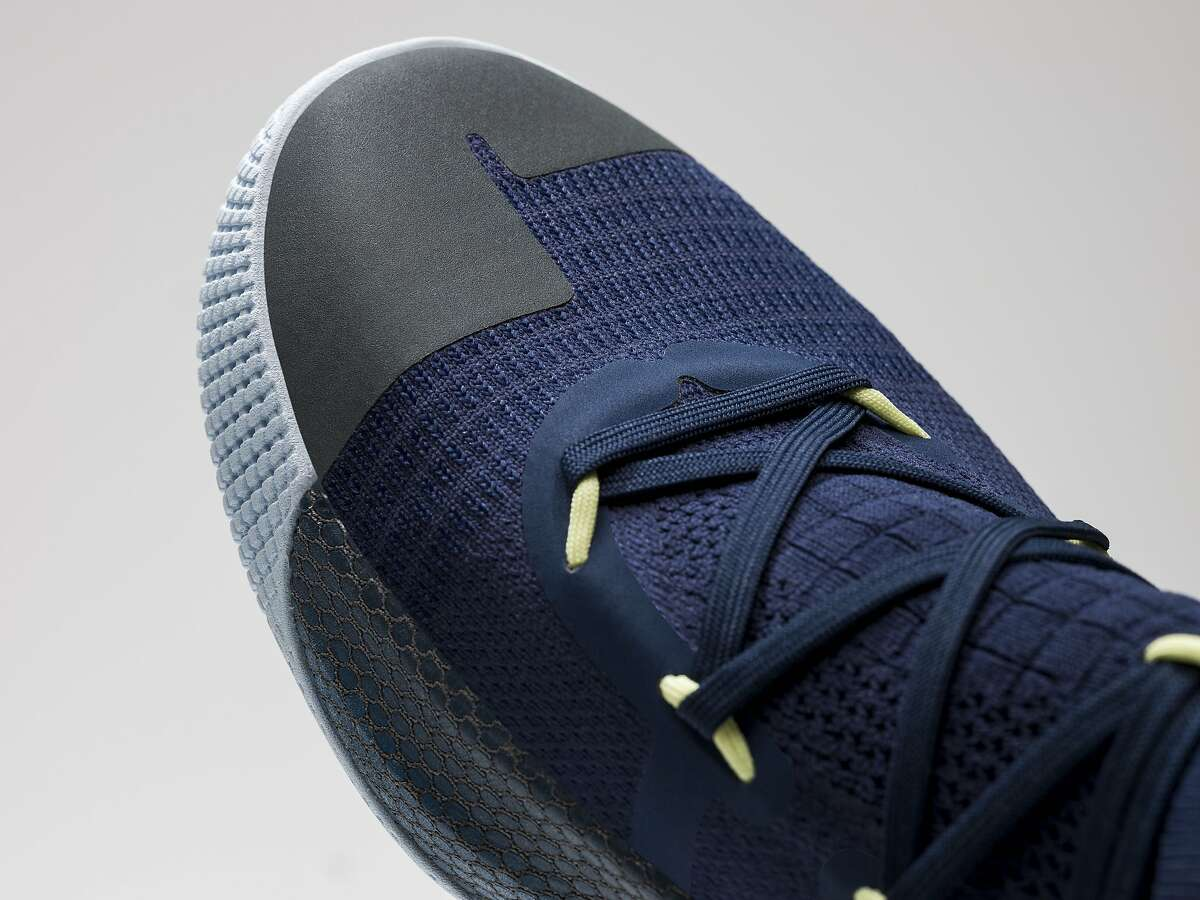 Steph Curry�s new shoes are named after Oakland�s International Blvd.