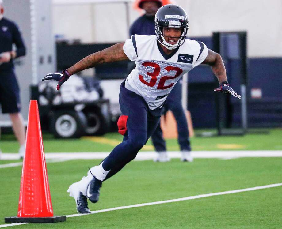 Size, speed of Texans rookie corner Lonnie Johnson jumps out