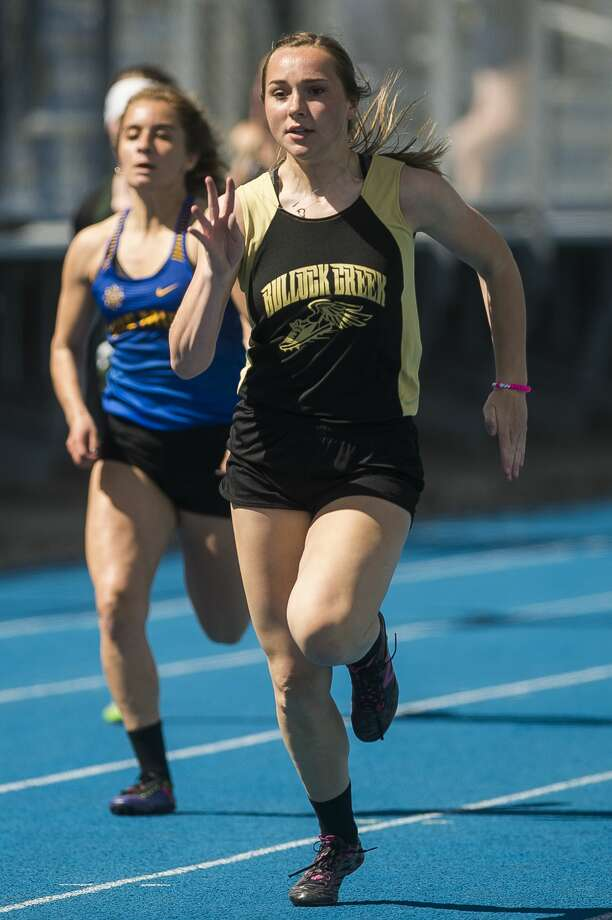 Bullock Creek's Samantha Chew competes in the 100-meter dash during a meet on Friday, May 10, 2019 at Hemlock High School. (Katy Kildee/kkildee@mdn.net) Photo: (Katy Kildee/kkildee@mdn.net)
