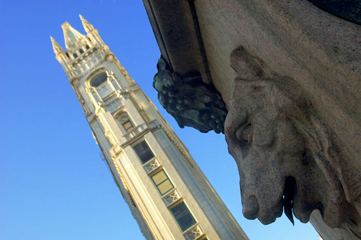 Rent this famous and historic apartment in Oakland's Cathedral Building for $6,000 a month.