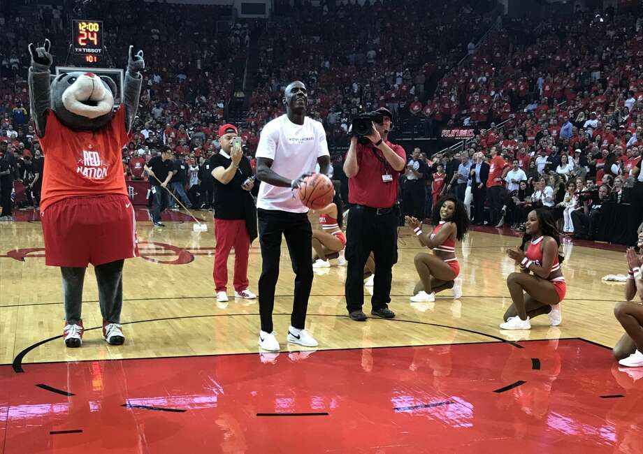 "PHOTOS: How celebrities have done on the ""First Shot"" before Rockets games