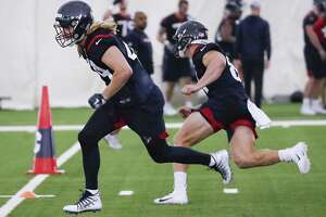 Houston Texans fullback Cullen Gillaspia (44) and tight end Kahale Warring run an agility drill during rookie mini camp at The Methodist Training Center on Friday, May 10, 2019, in Houston.