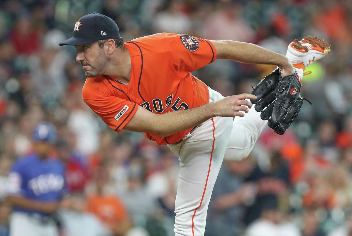 Astros starting pitcher Justin Verlander gave up a single to Asdrubál Cabrera in the fifth inning but that was the only hit the righthander allowed in seven innings Friday night.