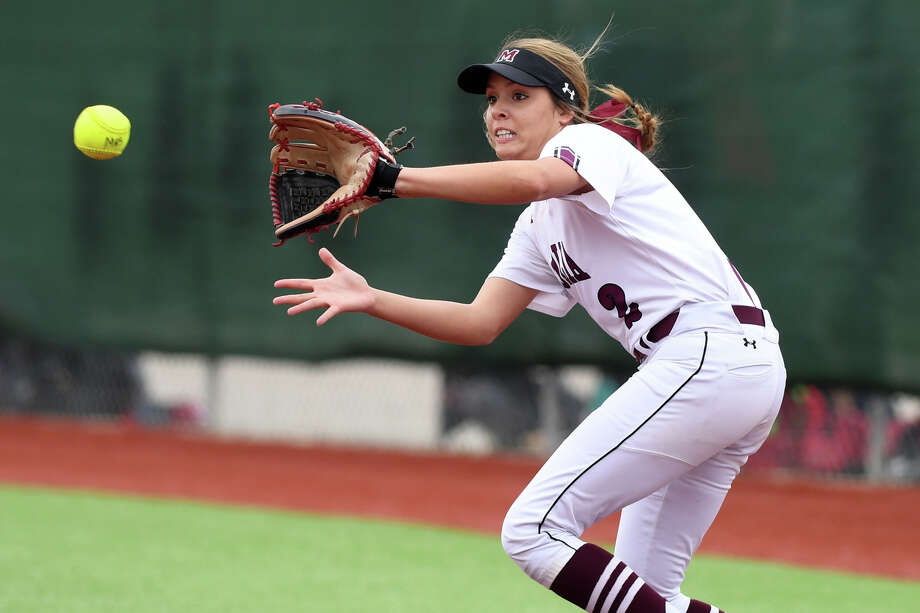 Maddie Biehl makes a catch during Game 2 of the Region III-5A quarterfinals against College Station on Friday evening. Photo: Laura McKenzie / The Eagle