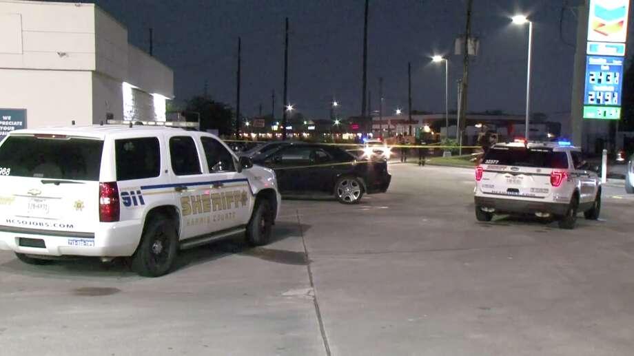 Man shot and killed behind gas station near Eastex Freeway