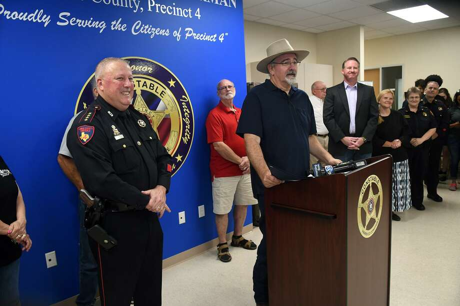 Harris County Precinct 4 Constable Mark Herman, from left, and Commissioner Jack Cagle lead the ribbon cutting for the new Pct. 4 substation in Spring on May 10, 2019. Photo: Jerry Baker, Houston Chronicle / Contributor / Houston Chronicle