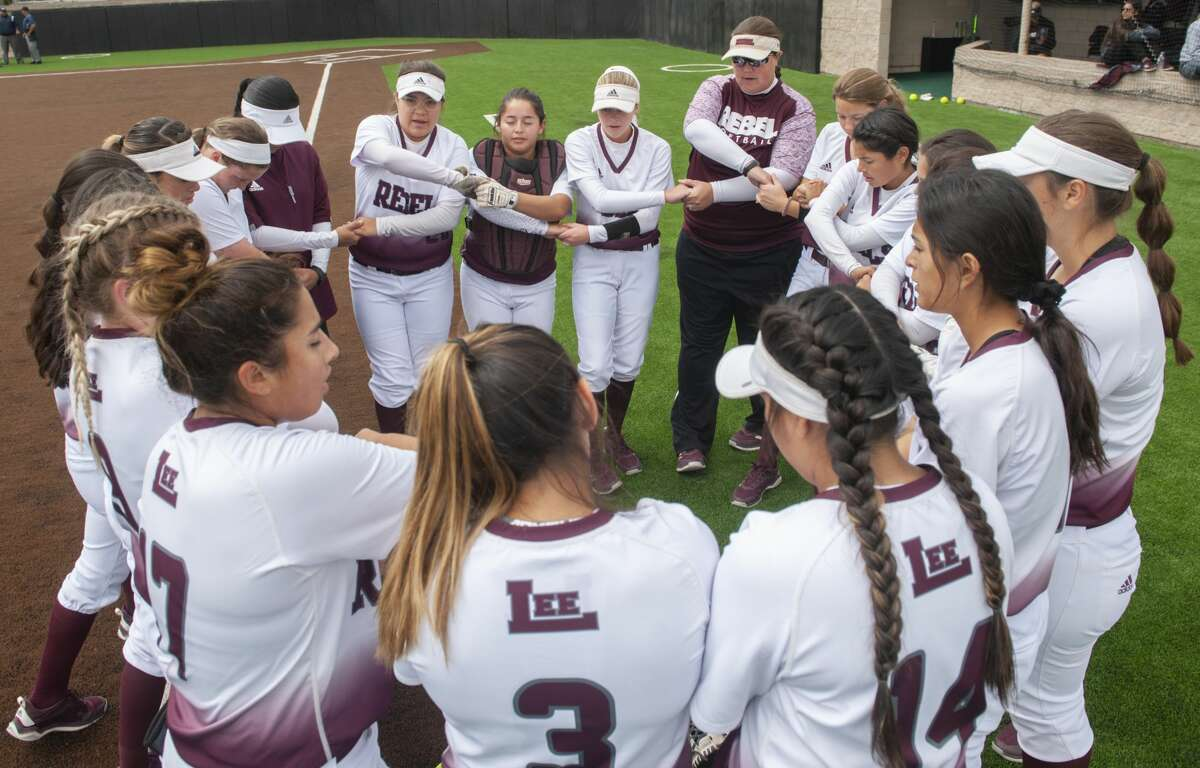 Lee High players say a prayer together 05/11/19 in game two of the Class 6A regional quarterfinal series against Odessa High at Seminole ISD softball field. Tim Fischer/Reporter-Telegram