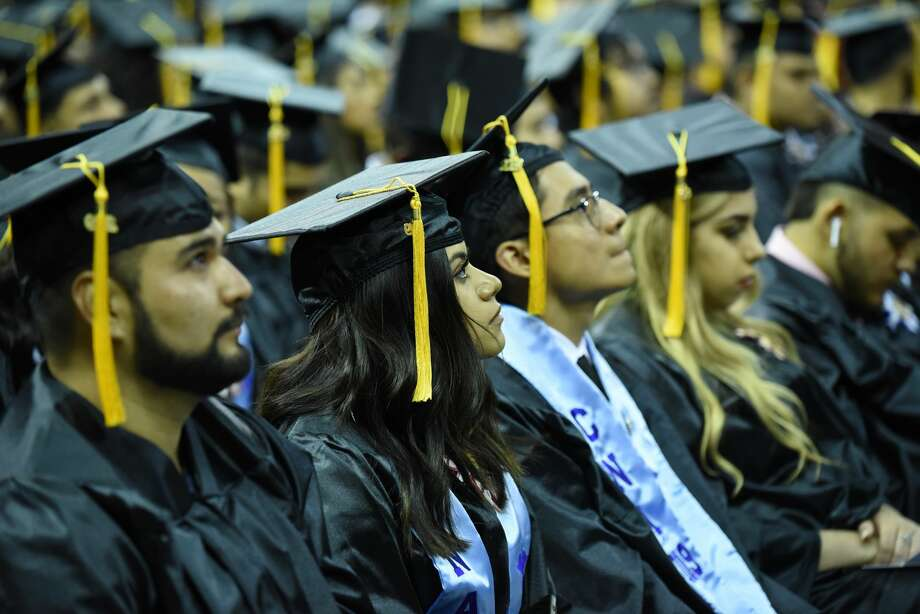 Students from LISD's Early College and Laredo College students walked the stage to recieve their certificate or Associate's Degree as their friends and families cheered them during the Laredo College Commencement Adress at Sames Auto Arena, Friday, May 10, 2019. Photo: Christian Alejandro Ocampo\Laredo Morning Times