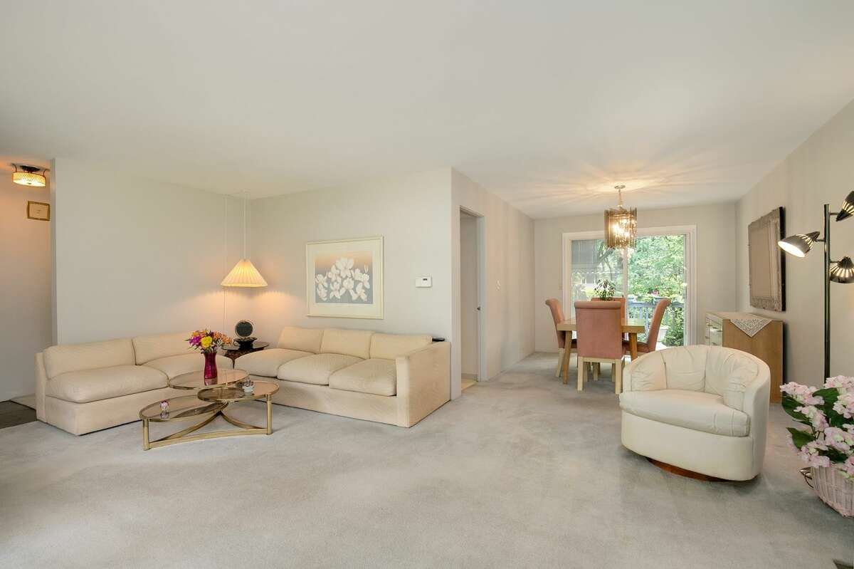 9304 Forest Ct. S.W., listed for $649,900. See the full listing here.