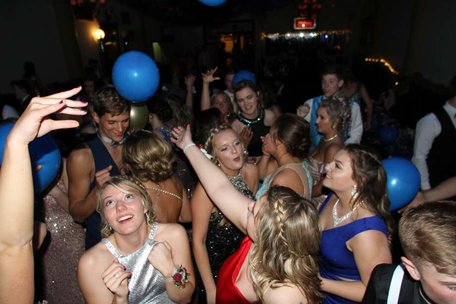 "Laker students packed into the Pasta House in Kinde on Saturday for their prom celebration, which was themed, ""Written in the Stars."" Photo: Coulter Mitchell/For The Tribune"