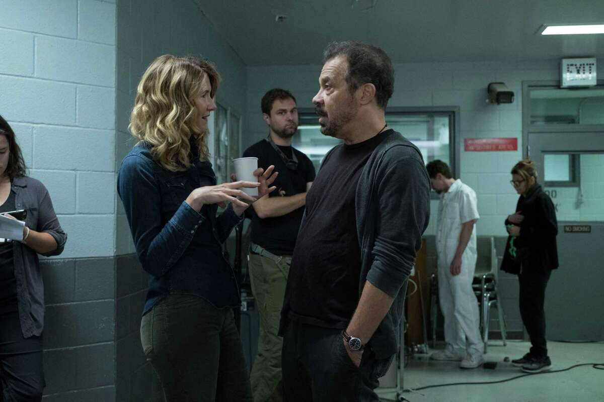 """Laura Dern and director Ed Zwick on the set of """"Trial by Fire,"""" about an innocent man executed in 2004 in Texas. _DSF4947.RAF"""