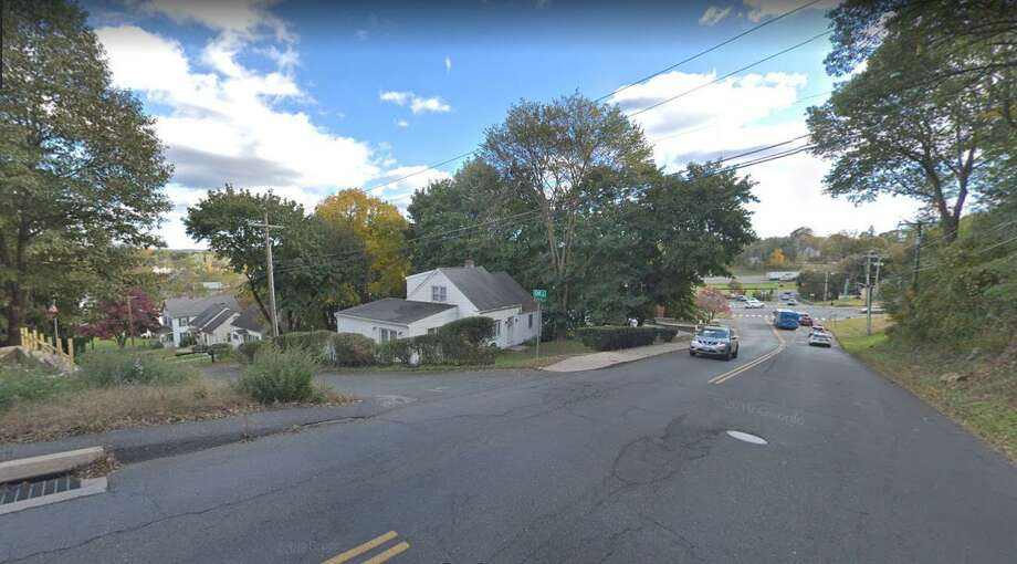The intersection of Golden Hill Road and Oak Street in Danbury. Photo: Google Maps / Google