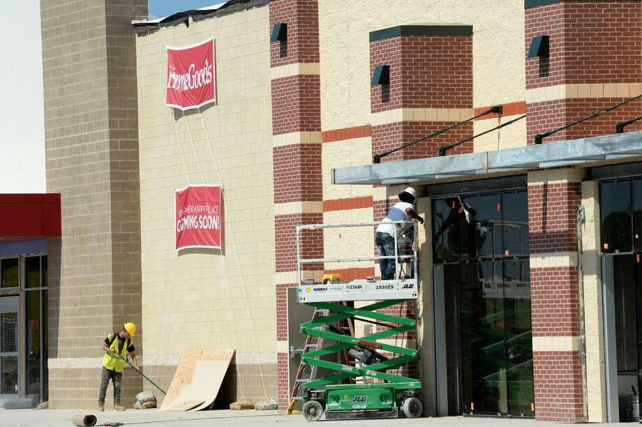 Work continues Friday on the outside of Parkdale Mall where several new stores in eluding Dick's Sporting Goods and Five Below are expected to open soon.  Photo taken Friday, 3/22/19 Photo: Guiseppe Barranco/The Enterprise, Photo Editor / Guiseppe Barranco ©