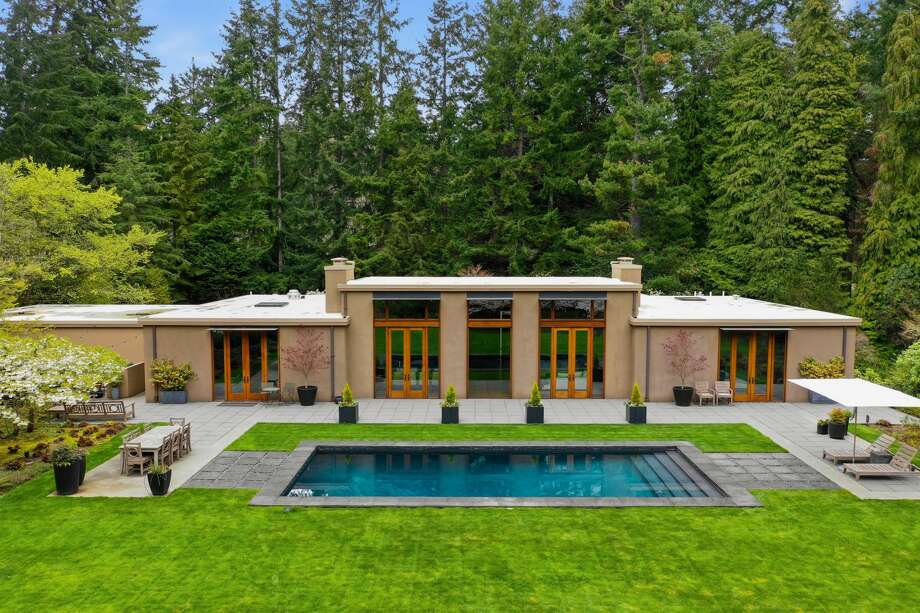Inside the exclusive Highlands, this Kundig remodel is listed for $3.45M Photo: Picasa, Greg Jenkins/Clarity NW