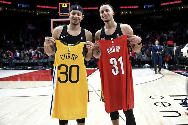 pretty nice 6a39e 26259 Steph Curry vs. Seth Curry: From driveway battles to NBA ...