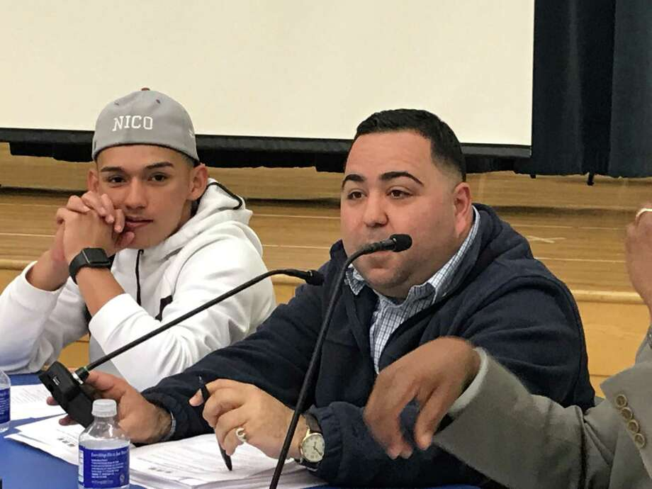 New Haven Board of Education Finance and Operations Committee chairman Joseph Rodriguez at a May 13, 2019 Board of Education meeting. Photo: Brian Zahn/Hearst Connecticut Media