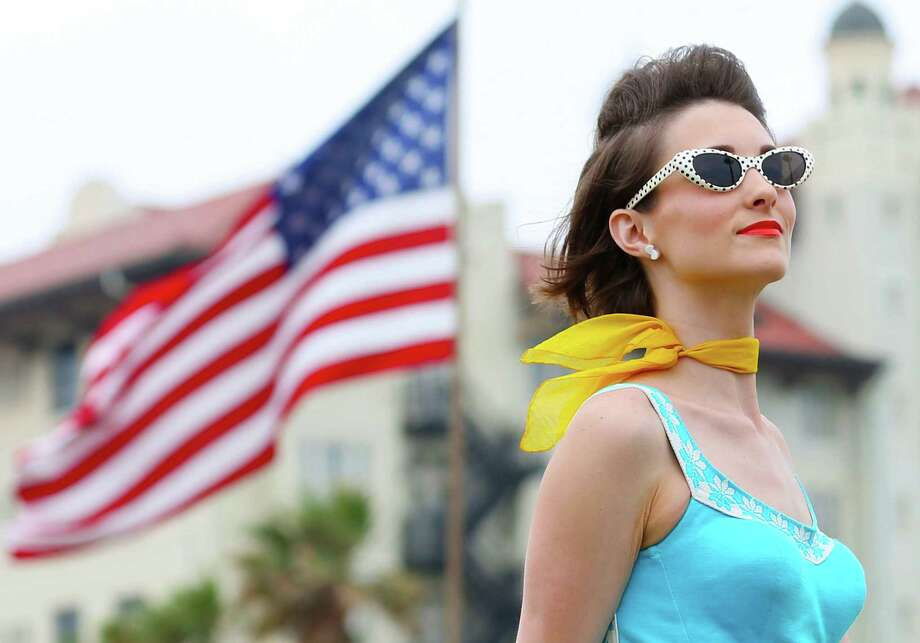 Vintage fun meets the historic backdrop of Galveston's Seawall Boulevard for the annual Galveston Island Beach Revue this Saturday. Photo: Jon Shapley, Staff / Houston Chronicle / © 2015 Houston Chronicle