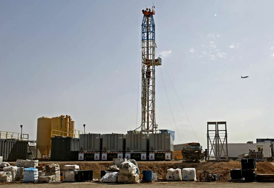 The Permian Basin led losses this week, the service company said, dropping 14 rigs to 148. Texas lost 11 rigs to 127 for the week, and New Mexico dropped two to 61. Photo: James Durbin/Midland Reporter-Telegram