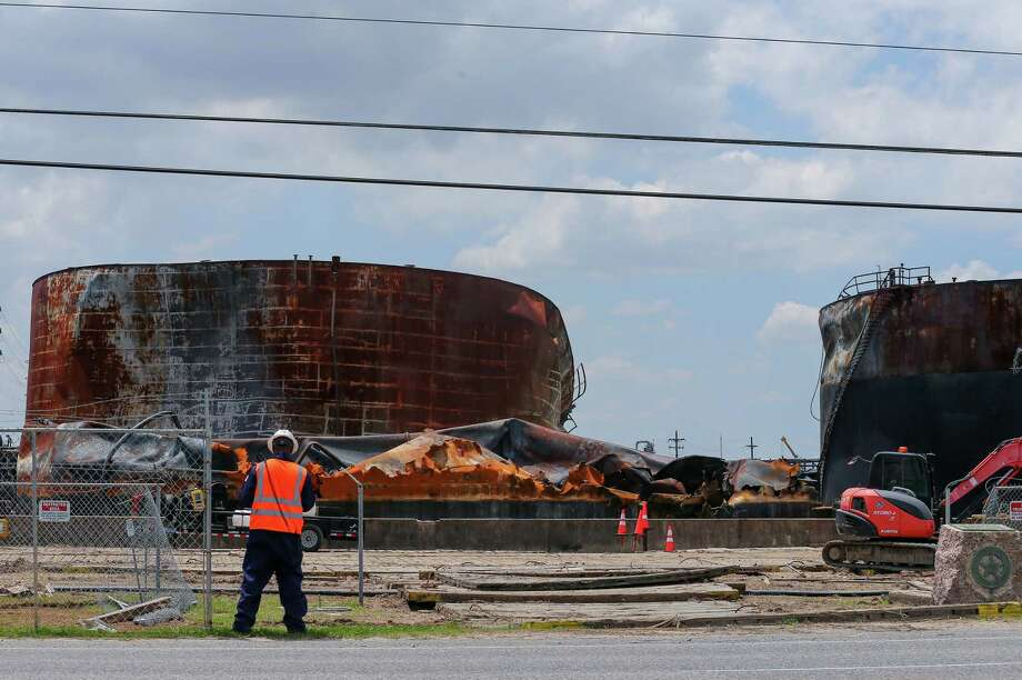 Work continues at the ITC tank farm after the petrochemical that occured there back in March. Photographed Tuesday, May 14, 2019, in Deer Park, Texas. The terminal has reopened most of its rail and truck activity this week. Photo: Godofredo A. Vásquez, Staff Photographer / 2019 Houston Chronicle