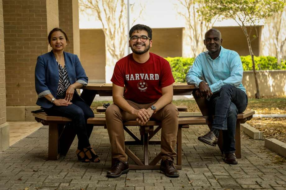 Erick Vázquez Cano, center, is pictured with his TAMIU mentors. To his left is Dr. Ruby Ynalvez, associate professor of Biology, and to his right is Dr. Alfred Addo-Mensah, associate professor of Chemistry. Photo: Courtesy