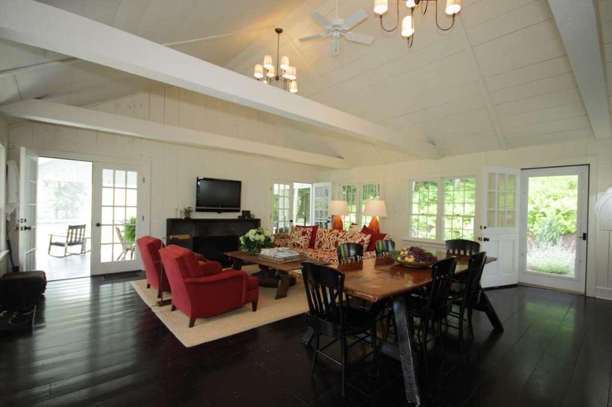 Designer Shawn Henderson's getaway cottage. (Nancy Bruno / Life at Home)