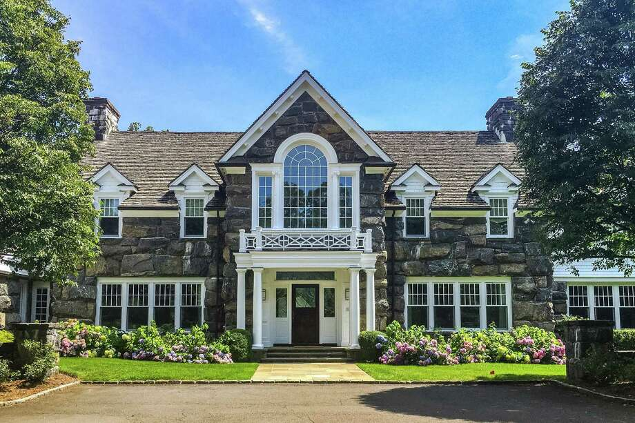 The 16-room estate at 200 Old Mill Road in Greenwich. / ONLINE_CHECK