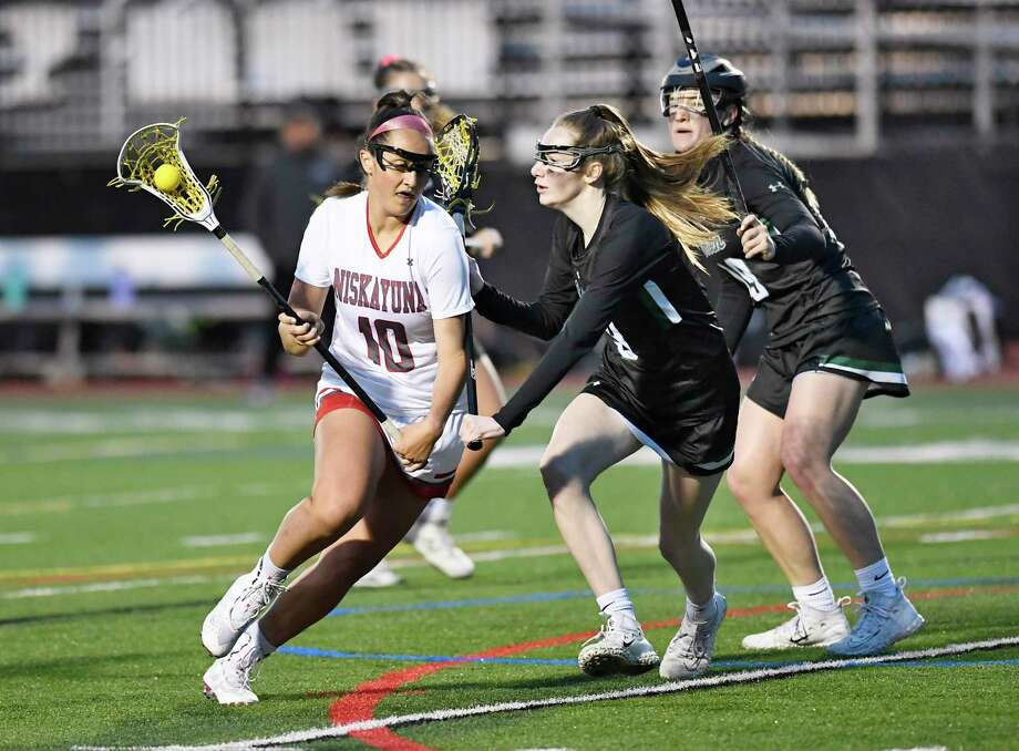 Niskayuna's Sydney McParlton (10) shoots the ball against Shenendehowa during a Section II high school girls' lacrosse game Thursday, May 9, 2019, in Schenectady, N.Y. (Hans Pennink / Special to the Times Union) Photo: Hans Pennink / Hans Pennink