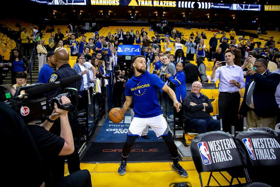 Some fan with $112,000 to spend on an evening out will get this view of the final game at Oracle Arena. Photo: Santiago Mejia, The Chronicle
