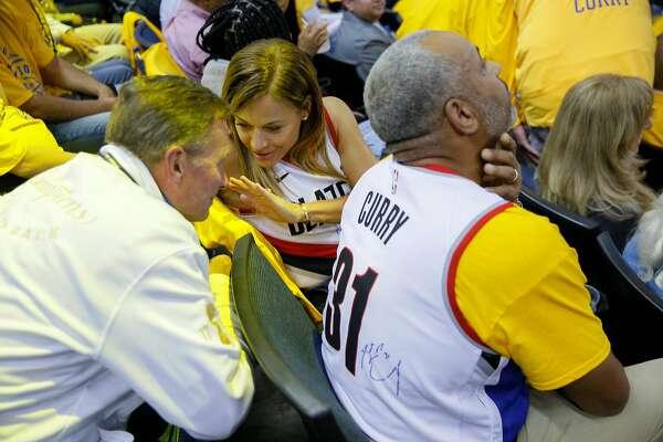 pretty nice e9588 c6e4e Split loyalties and jerseys; the Curry family makes history ...