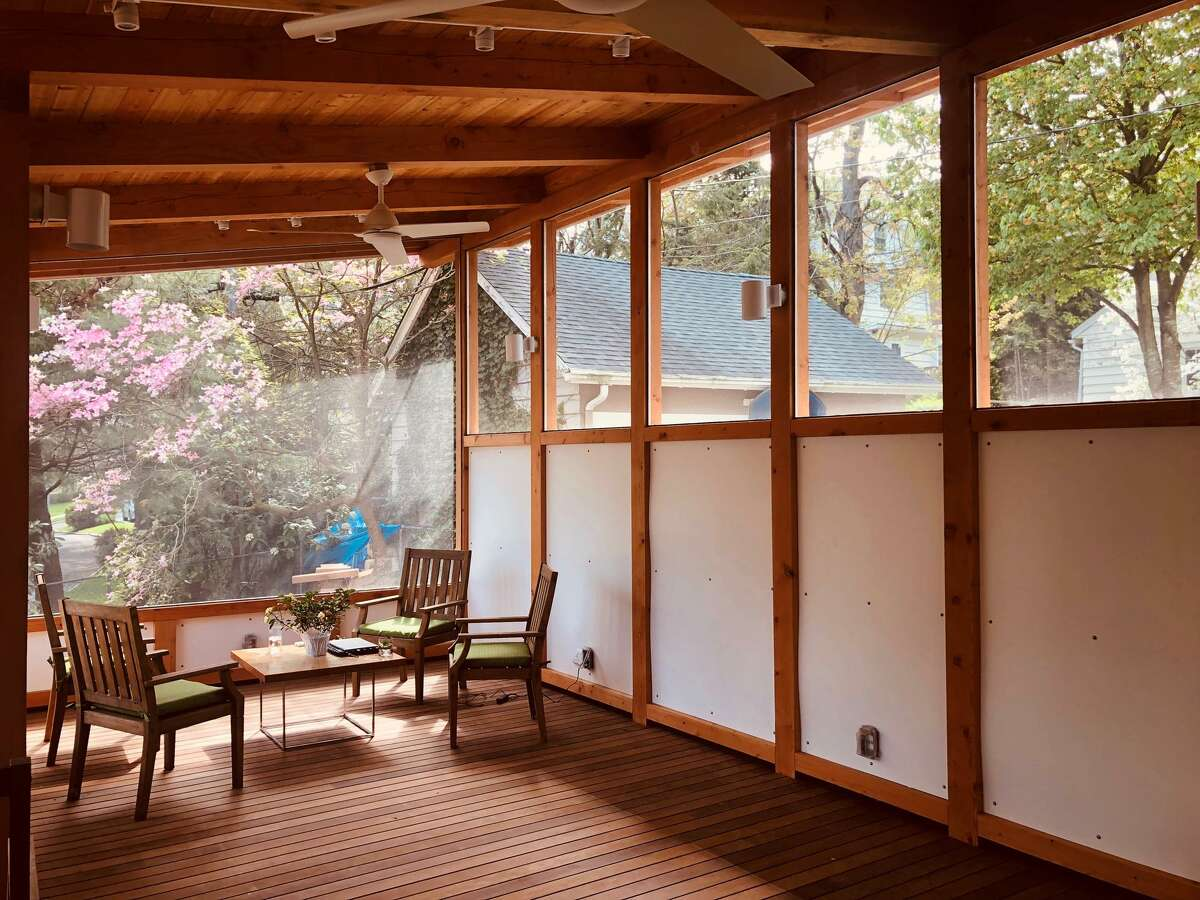 The old-fashioned screen porch is today's answer to the climate-change dilemma.