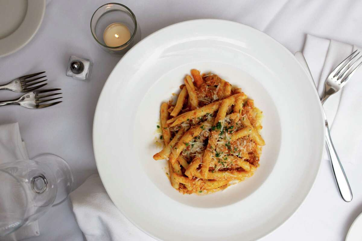 La Zingara, an Italian restaurant in Bethel, strikes the right balance, says Hearst critic Jane Stern. The winter menu has since been switched to seasonal spring fare.