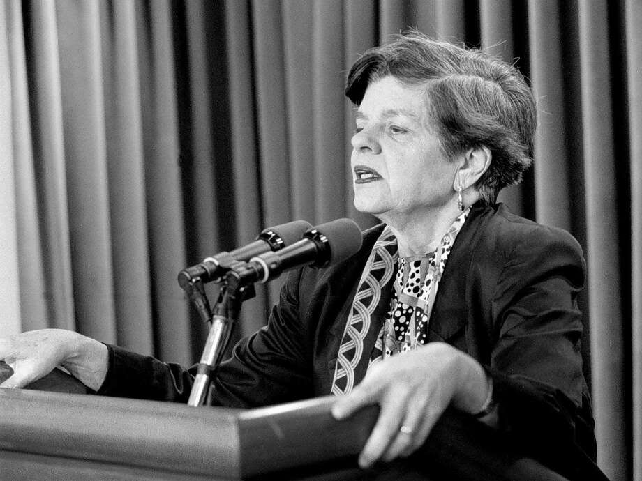 Alice Rivlin in the White House briefing room in 1995. Photo: Washington Post Photo By James A. Parcell / For The Washington Post