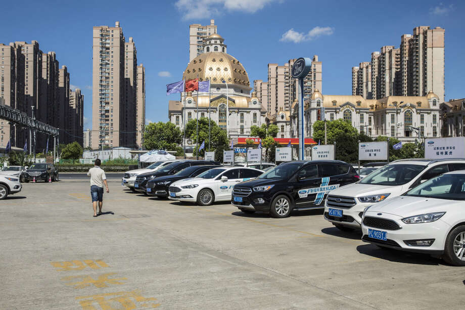 Ford vehicles on display at a Ford dealership in Shanghai on July 19, 2018. Photo: Bloomberg Photo By Qilai Shen. / © 2018 Bloomberg Finance LP