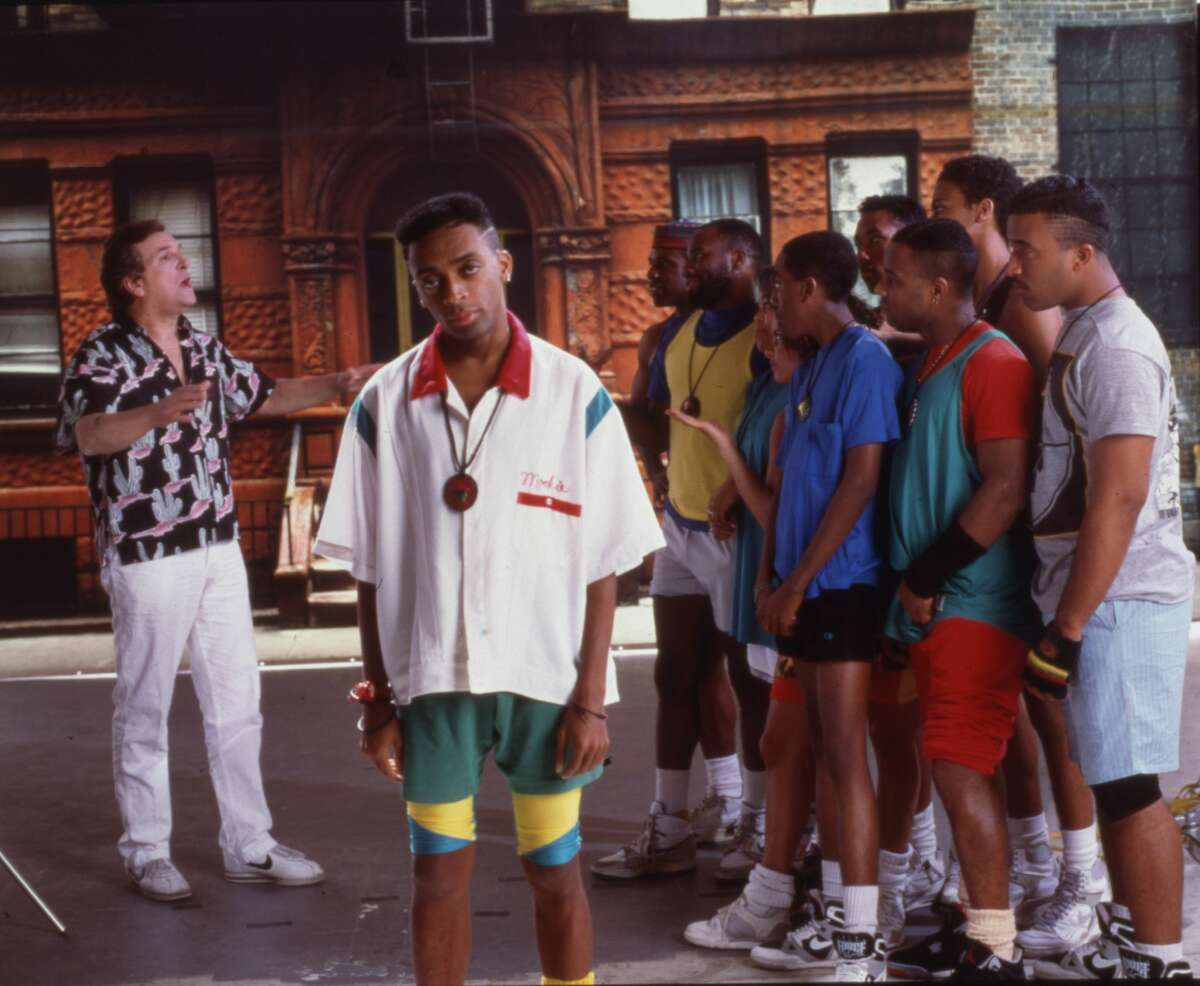 PHOTOS: A look at the all stars in Do the Right Thing and what they're doing 30 years later Portrait of American film director and actor Spike Lee on the set of his film 'Do the Right Thing,' in New York in 1989. Browse through the photos above for an update on what the cast from 1989's Do the Right Thing is doing 30 years after the movie's release ...