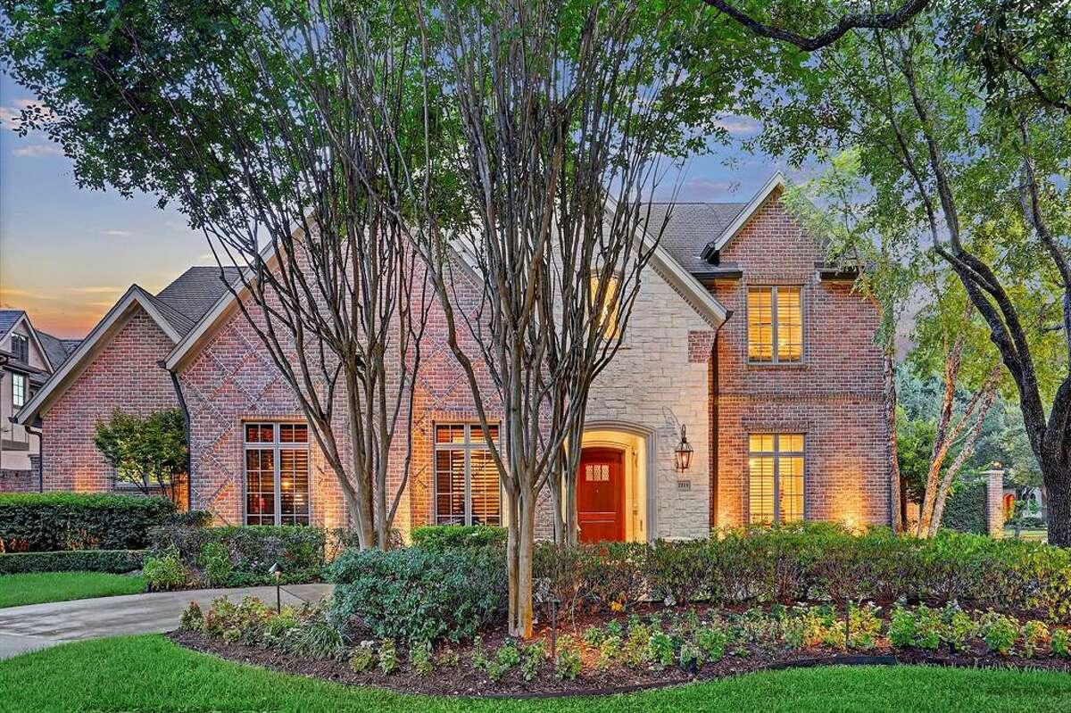 10.2819 University Boulevard, West University PlaceHouse sold: $2.9 million - $3.3 million7,670 square feetListing agent: Greenwood King Properties - Elizabeth Baker