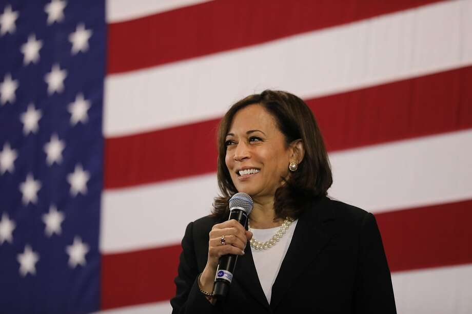 Sen. Kamala Harris also wants to ban the importation of AR-15-style assault weapons by executive action if elected. Photo: Spencer Platt / Getty Images